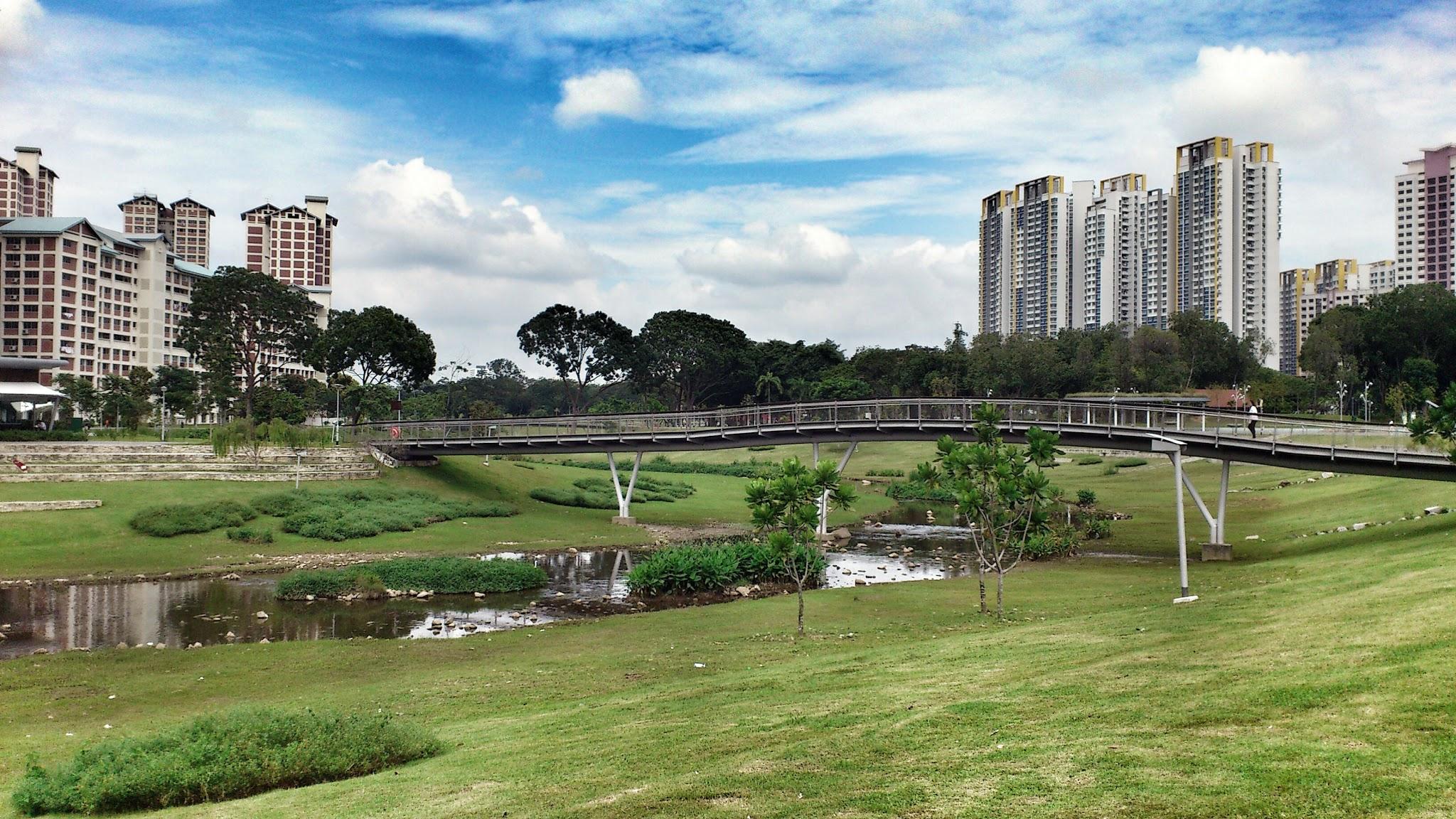 bridge at Bishan-Ang Mo Kio Park