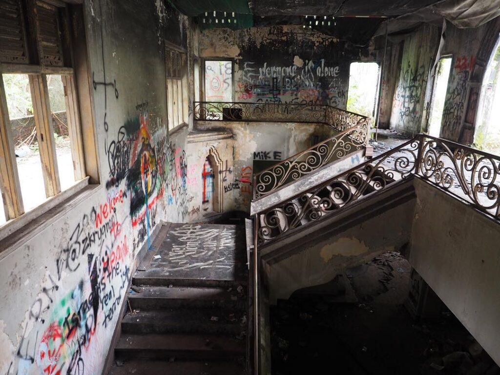 second floor of abandoned Istana woodneuk