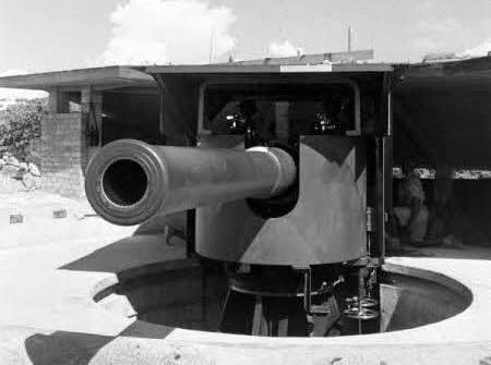 Historical photo of Labrador Battery No.1 Gun