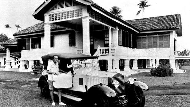 Matilda house in the 1940s with car in foreground