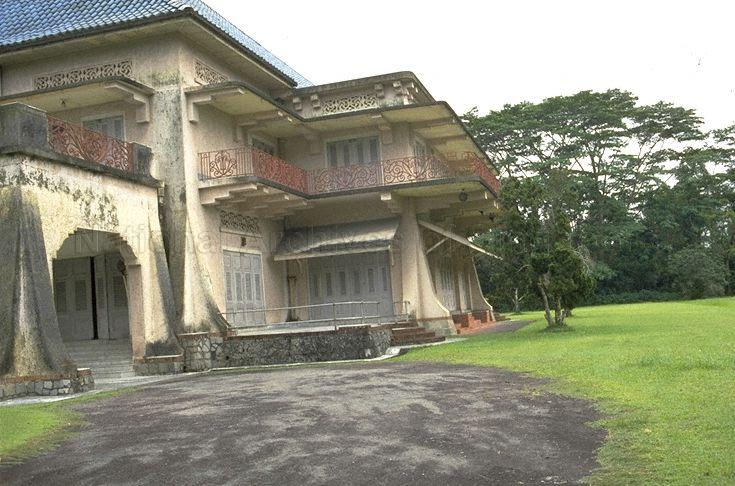 front porch of istana woodneuk