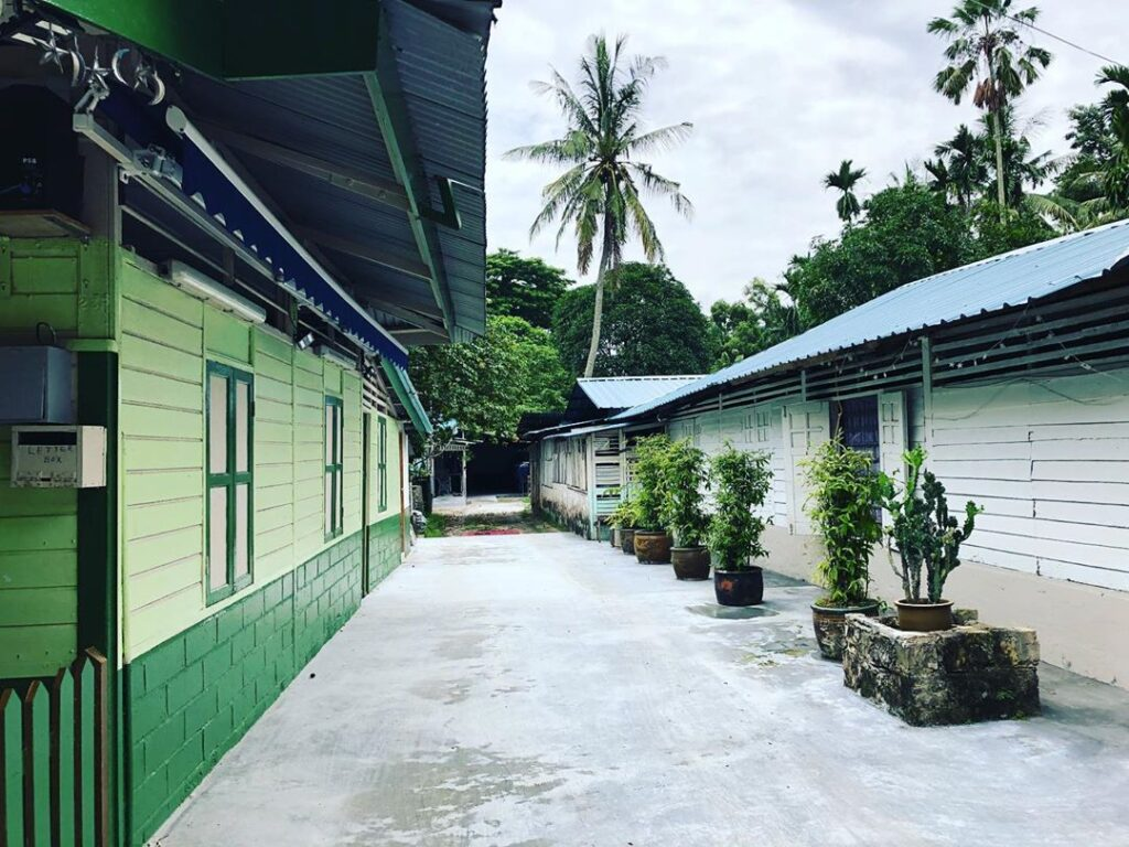 streets along lorong buangkok kampong